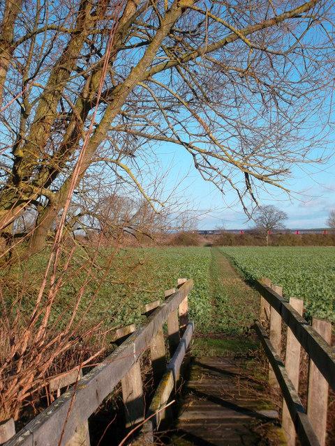 Footbridge near South Moreton