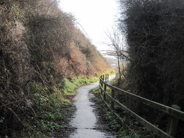 Footpath  to  Rocks  at  Crook  Ness