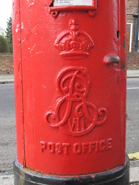 Edward VII postbox, Dartmouth Road / Park Road, NW4 - royal cipher