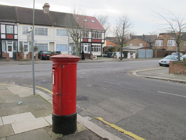 Dartmouth Road / Park Road, NW4