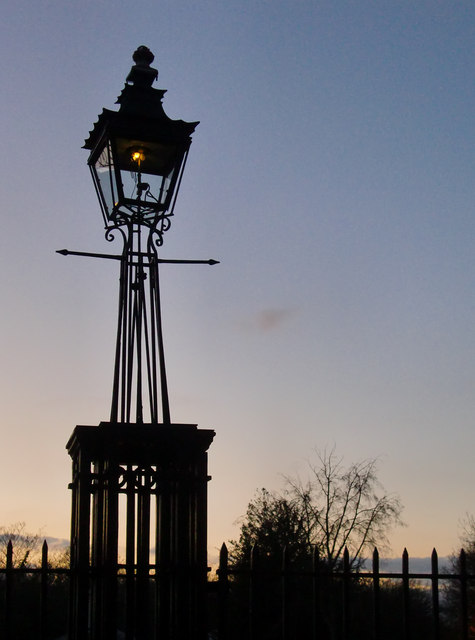 Gas lamp at Ham Gate, Richmond Park