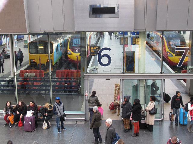Piccadilly station - Virgin departures