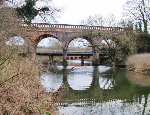 Railway bridge over the River Mole at Leatherhead