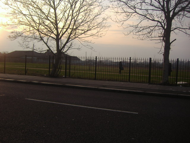 Seven Kings park from Barley Lane