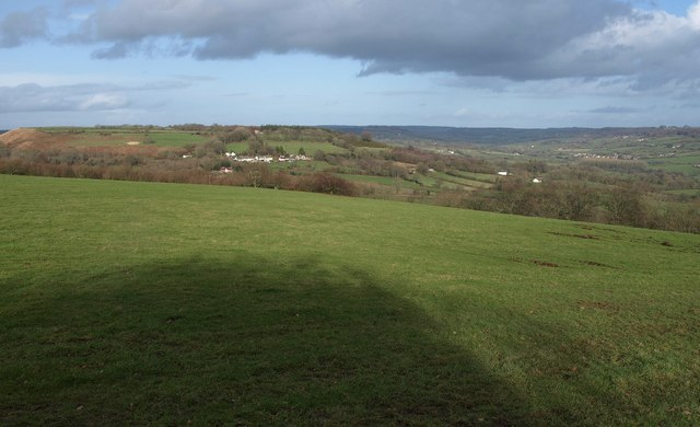 Field on northern side of Dumpdon Hill