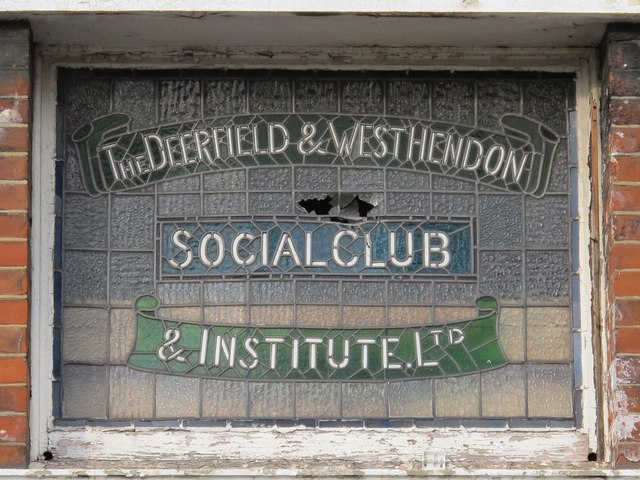 Sign for The (former) Deerfield & West Hendon Social Club & Institute Ltd, Station Road, NW4