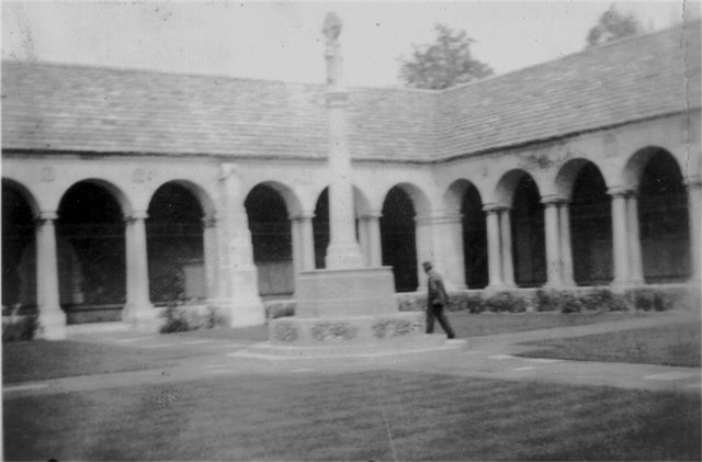 Garden of Remembrance, Winchester College