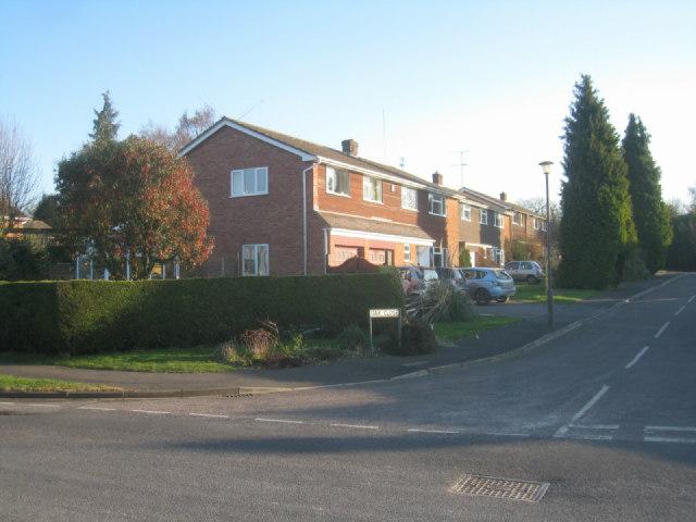Houses in Oak Close