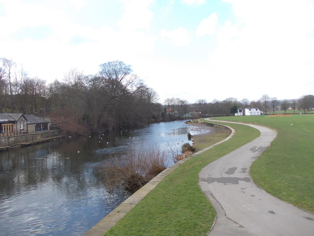 River Aire - viewed from Victoria Road Footbridge