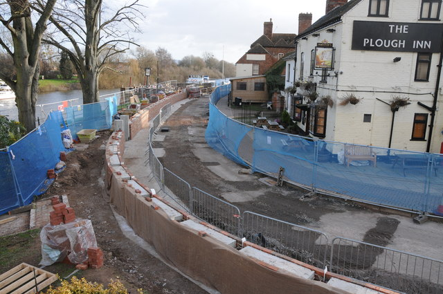 Flood defence work in Upton upon Severn