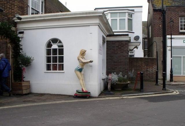 Blond dummy, Shoreham