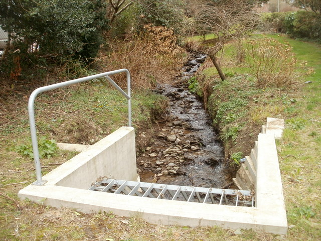 Sink on the corner of  Brynglas and Bryn Goleu, Bedwas