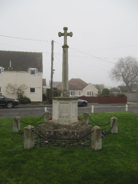 High Street past the memorial