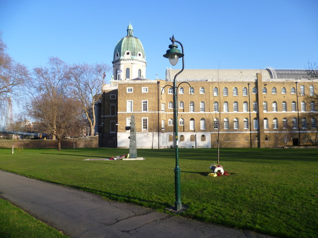 Imperial War Museum from Geraldine Mary Harmsworth Park