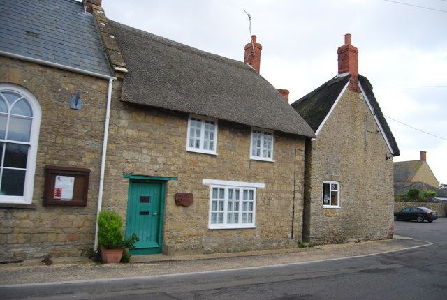 Thatched House, High St