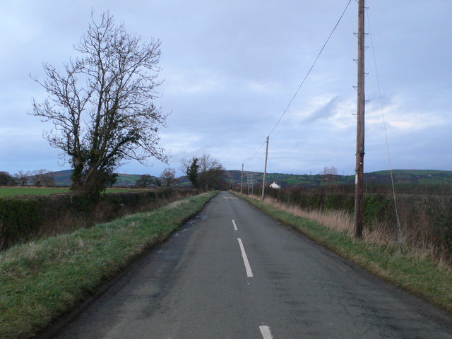 Long straight road to Tremeirchion from the Bodfari Road
