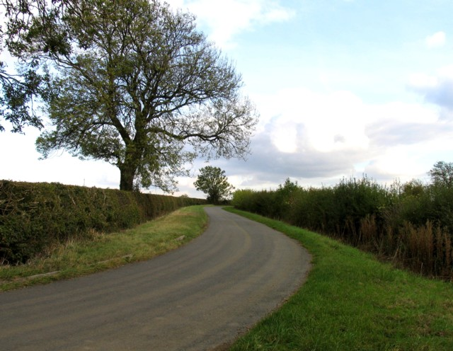 Welby Lane towards Asfordby Valley from steep bend