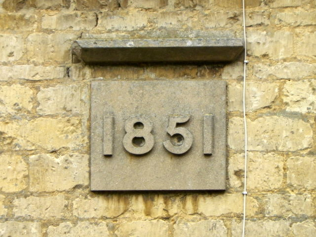 Date stone, Thistleton