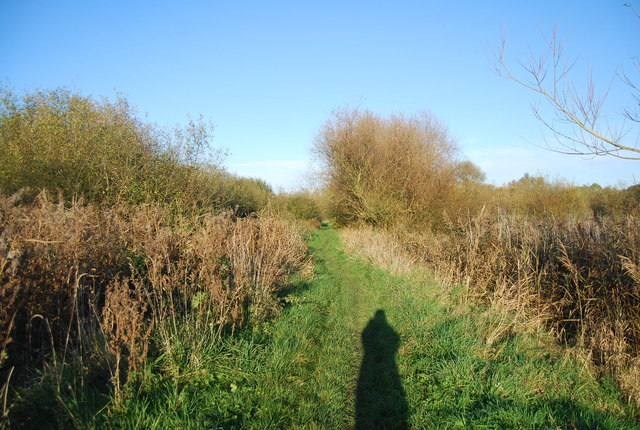 Footpath heading north east along the Great Stour