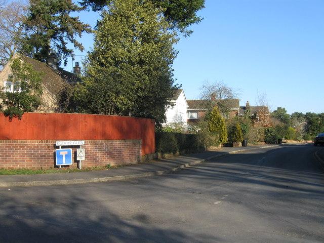 Egdon Glen, Crossways
