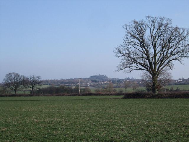 Faringdon Folly from farm track to Wood House