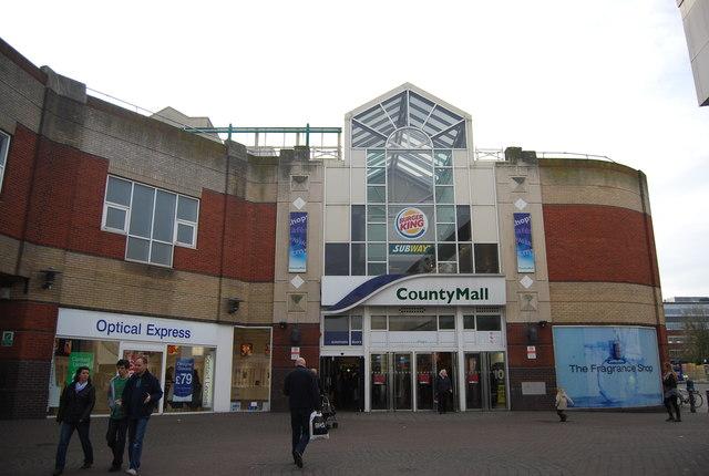 County Mall, Crawley