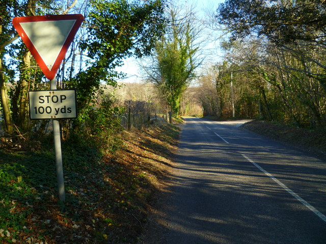 Road from East Lavant approaches Kennel Hill