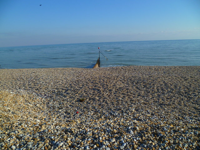 Beach and groyne at Selsey