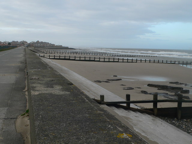 Approaching Rhyl from the east along the promenade