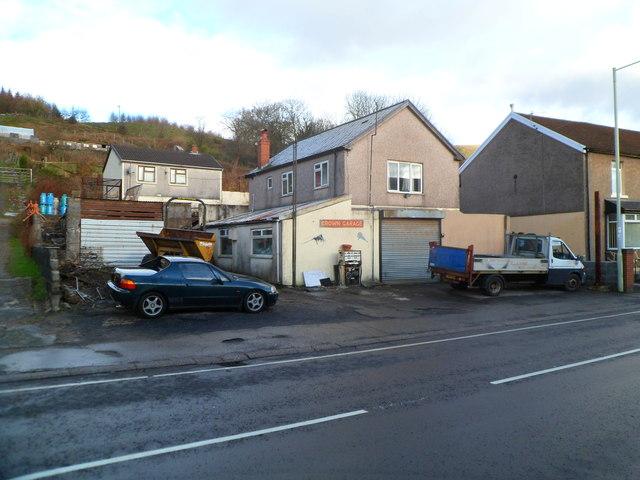Crown Garage, Ynyswen