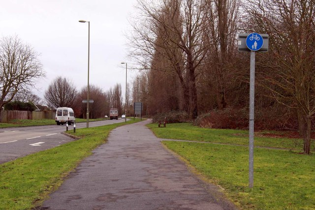 Cycle path along Bicester Road