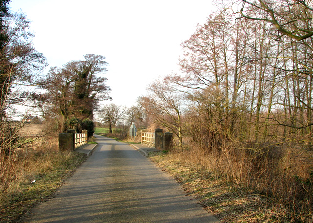 Approaching Beversham Bridge, Blaxhall