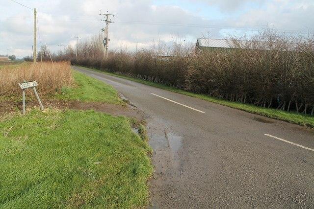 Crack Holt Lane from Southfields