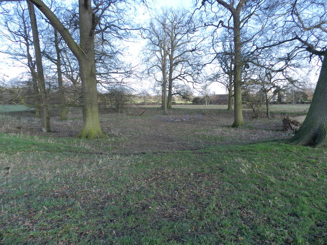 Depression in the ground, Hanbury Park