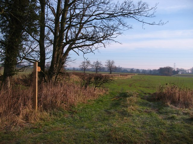Footpath to Acaster Hill