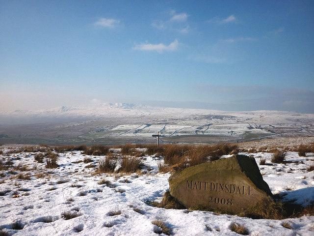 Memorial Stone, Cam End
