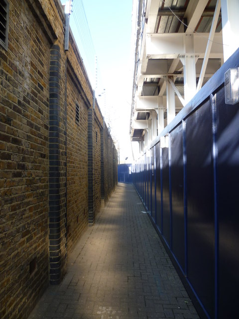 The way to Nine Elms Pier