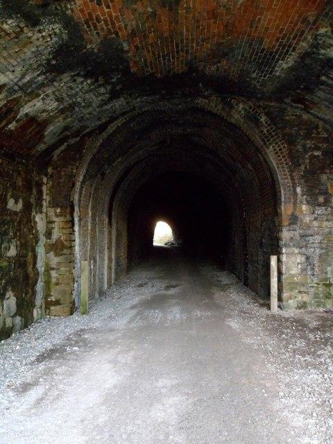 Padarn tunnel portal, Pen-y-llyn