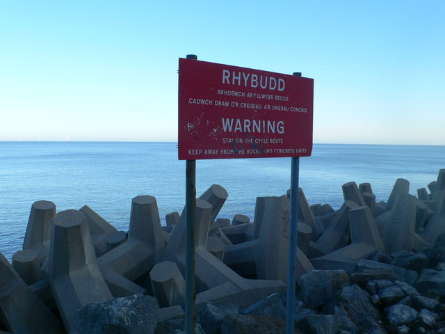 Warning sign by the side of the Coast Path
