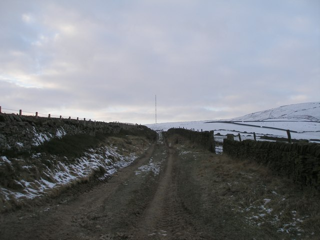 Cliff Road towards Holme Moss mast