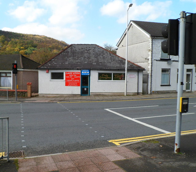 Former cafe to let, Llwynypia