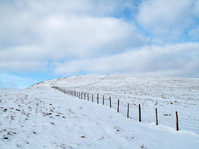 Fence rising on ridge for Kentmere Pike