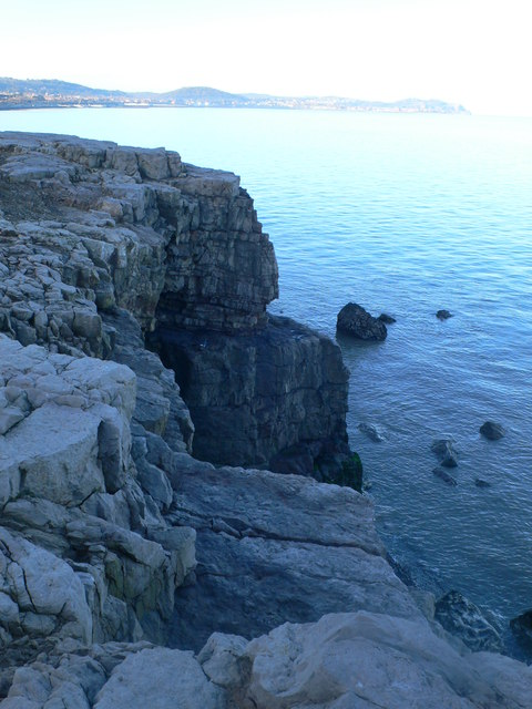 Rocky headland at Tan Lan
