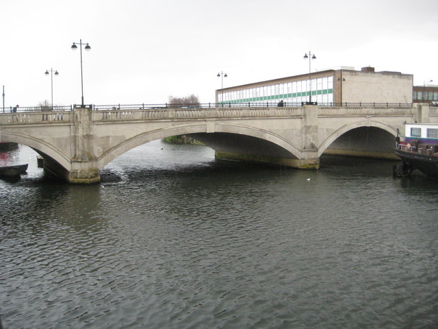 Peterborough: The Town Bridge