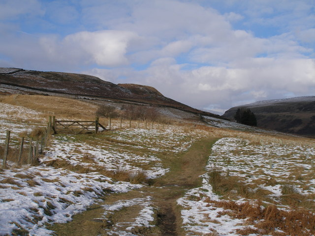 The Pennine Way leaves Crowden for the north