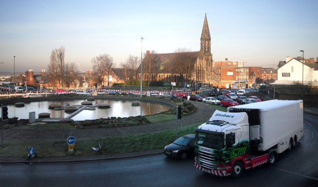 Morning Traffic at the Fountains Roundabout