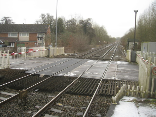 Level crossing at Midgham Station