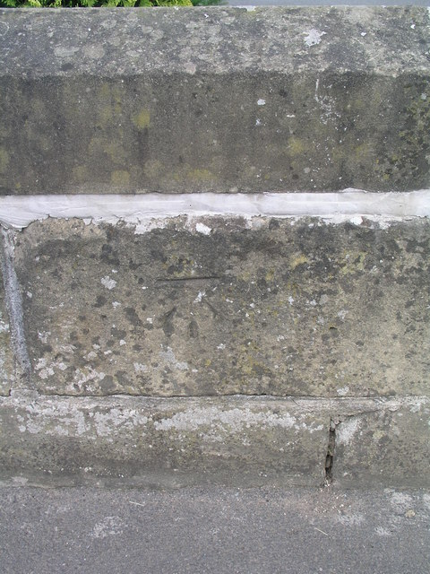 Cut Mark: Wentbridge, River Went Bridge east parapet