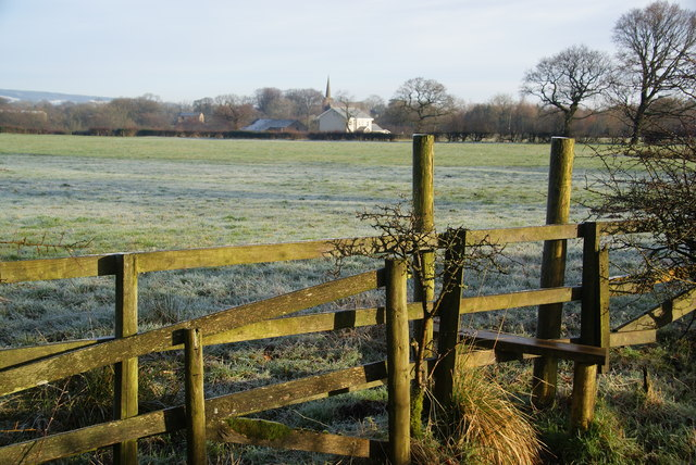 Path over the field to Balderstone