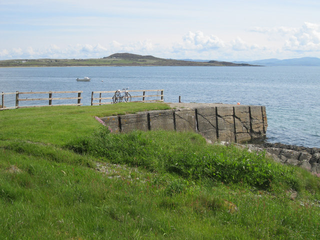 Old jetty at Carraig Mhic-ill-Libhir